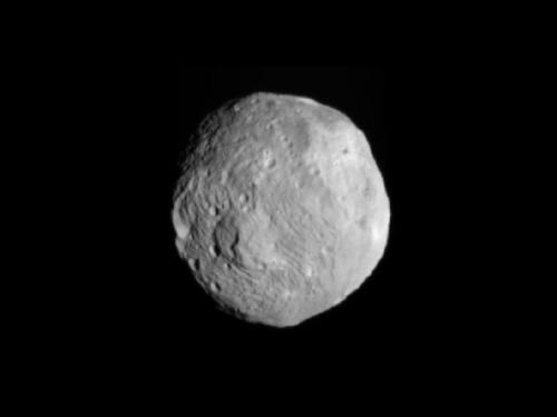 Vesta de la 41.000 km depărtare. Foto: NASA/JPL-Caltech/UCLA/MPS/DLR/IDA