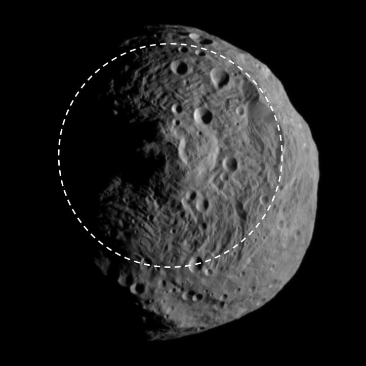 Vesta și bazinul enorm. Imagine luată pe 17 iulie de la 15.000 km depărtare. Foto: NASA/JPL-Caltech/UCLA/MPS/DLR/IDA