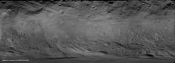 Harta globală a asteroidului Vesta. Foto: NASA/JPL-Caltech/UCLA/MPS/DLR/IDA