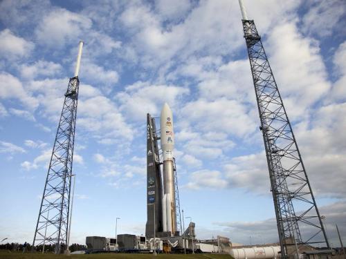 Racheta Atlas V pregătită de lansare. Foto: NASA/Frankie Martin Nov. 25, 2011