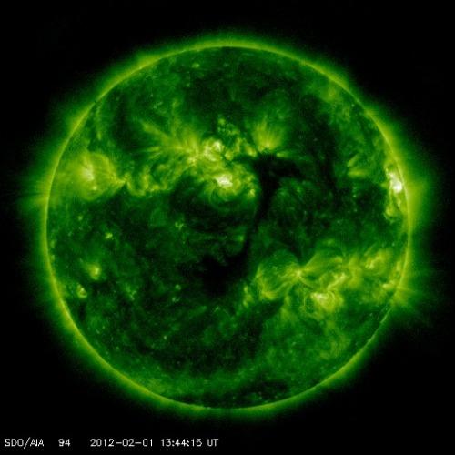 Soarele în UV/raze-X. Foto: Solar Dynamics Obseravatory