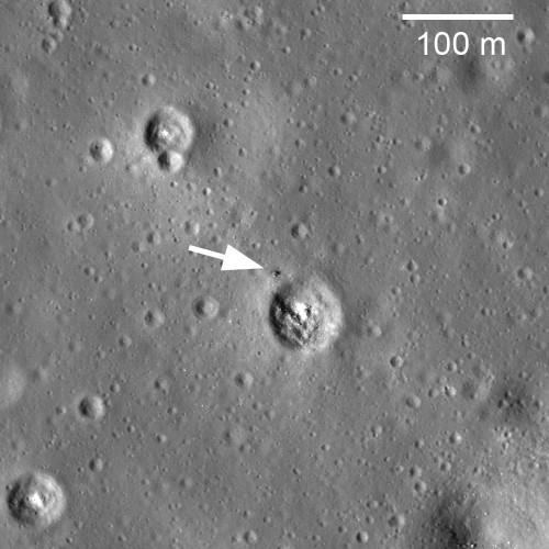 Luna 24 la marginea unui crater de 60 m în diametru. Foto: NASA/GSFC/Arizona State University