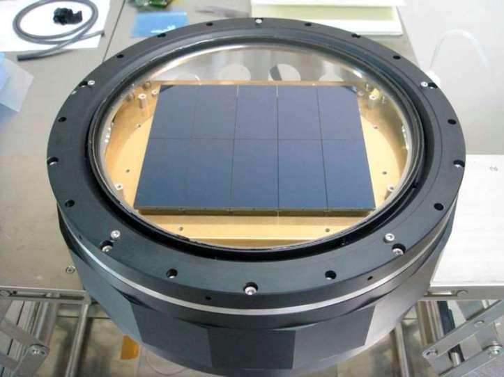 Cameră digitală pentru telescopul Subaru. Se numește Suprime-Cam și are zece chipuri. Foto: NAOJ