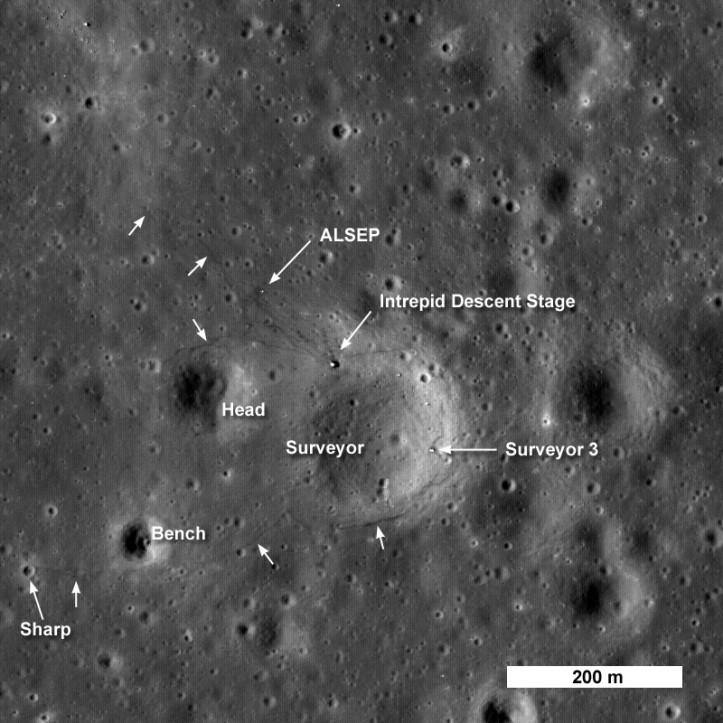 Apollo 12 și Surveyor 3 pe Lună. Foto: NASA/GSFC/Arizona State University