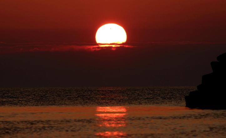 Răsăritul Soarelui și planeta Venus. Foto: Mona Constantinescu
