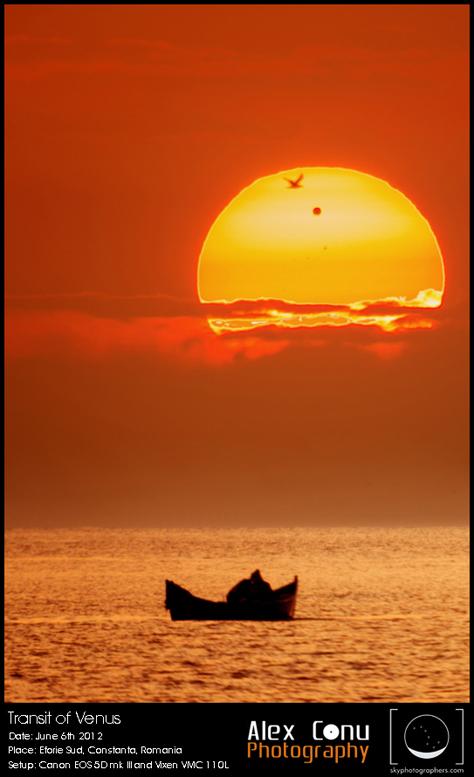 Tranzit răsărind din mare. Foto: Alex Conu