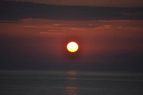 Soare+Venus răsărind din mare. Foto: Mia Constantin