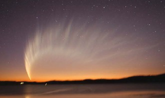 O cometă împresionantă. Foto: Terry Lovejoy