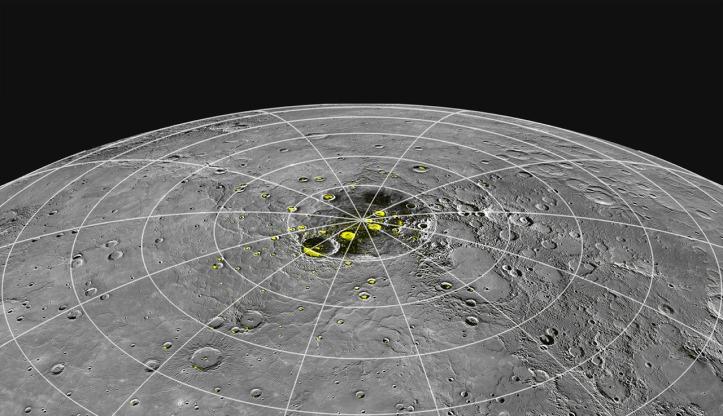 În craterele cu galben se vor construi viitoarele baruri mercuriene. Nu plecați noaptea căci este frig afară. Nici ziua că este prea cald. Stați acolo. Foto:  NASA/Johns Hopkins University Applied Physics Laboratory/Carnegie Institution of Washington