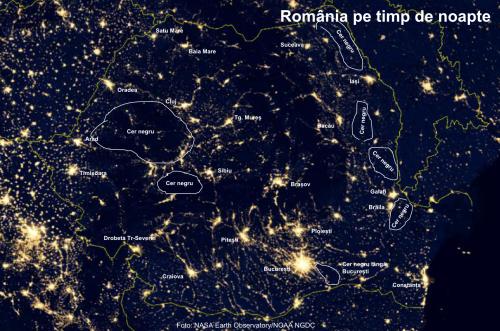 România noaptea - cer negru. Foto: NASA Earth Observatory/NOAA NGDC