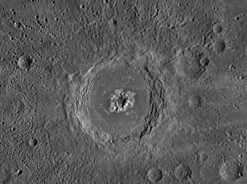 Mercur: craterul Eminescu. Foto: NASA/Johns Hopkins University Applied Physics Laboratory/Carnegie Institution of Washington