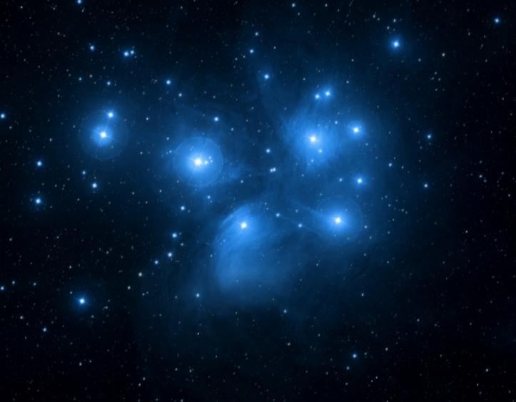 Câteva stele de pe cer: roiul deschis Pleiadele. Foto: SDSS