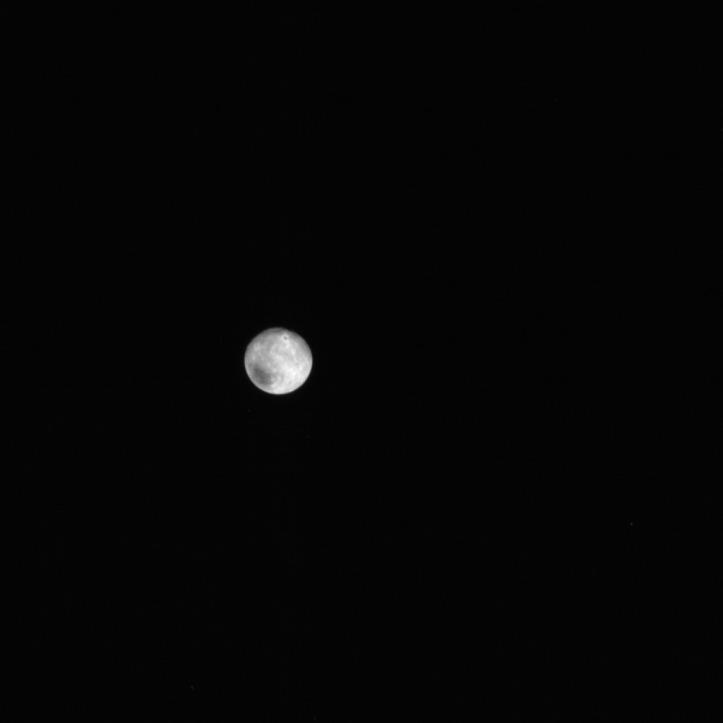 Charon. Imagine luată de sonda New Horizons în data de 12 iulie, ora 8:51 GMT. Foto: The Johns Hopkins University Applied Physics Laboratory LLC