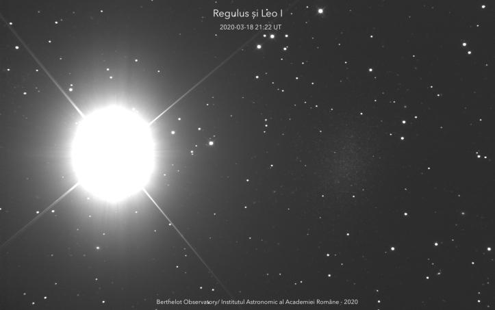 Regulus (steaua din stânga) și Leo I (pata din dreapta). Foto: Institutul Astronomic al Academiei Române/Adrian Șonka